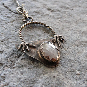 Mystical Healing Stone Quartz Necklace Bohemian Pendant