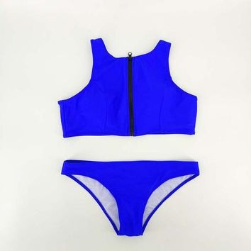 2 Two Piece Bikini Solid Color Two Pieces Swimsuit Surfing Beach Zipper Front Swimming Pool Thong Bottom Suits 2018 Trendy Summer Women Bikini Set KO_21_2