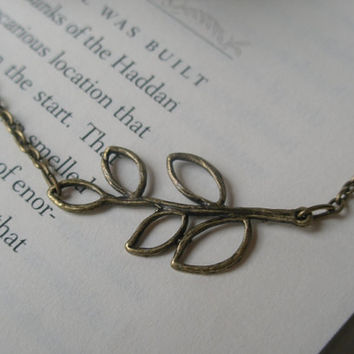 Leaf necklace- Branch necklace- Nature- Fashion- Spring necklace- Simple- Feminine