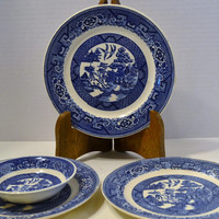 Four Vintage Flow Blue Willow Plates Bowl Homer Laughlin Usa Collectible Flow Blue PanchosPorch