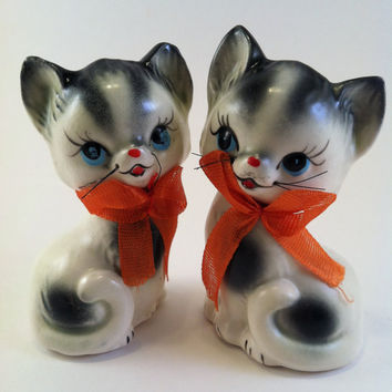 REDUCED PRICE Vintage Inarco Cat Lover Salt and Pepper Shakers Ceramic