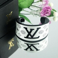 8DESS Louis Vuitton Woman Fashion Accessories Fine Jewelry Bracelet