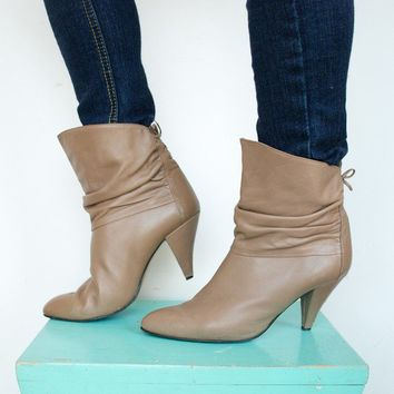 Vintage Bootalinos by Corelli Beige Ankle by thevintagetreehouse