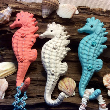 Seahorse Wall Hook/Key Hanger/Cap Hook/Leash Hanger/Child's Room/Nursery/Seaside/Beach Cottage/Coastal Decor