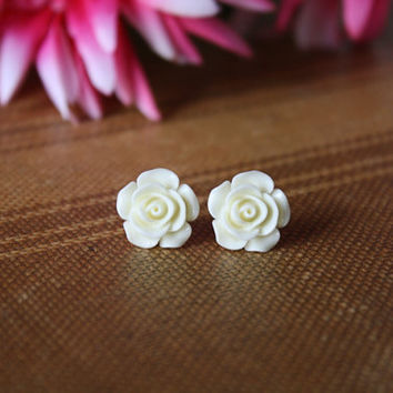 Shirley Creamy Ivory Rose Vintage Inspired Earrings