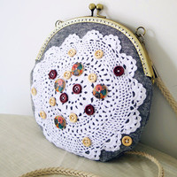 Handmade Sweet Lace Wood Botton Linen Satchel