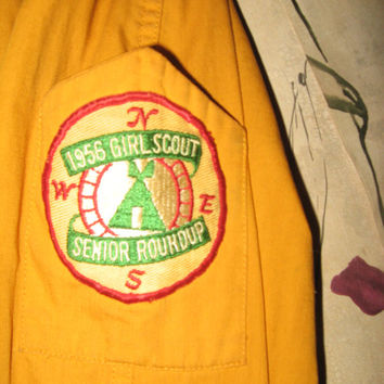 Rare vintage GIRL Scouts of America 1956 SENIOR Roundup patch and official 1950s Girl scout jacket SCARCE
