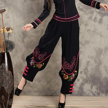 Vintage 70s design black pant for women autumn winter Mexico style ethnic embroidery plus fours bloomers pantalettes trousers