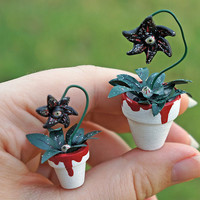Halloween Dollhouse Miniature Spooky Plant with Eyeball Flower