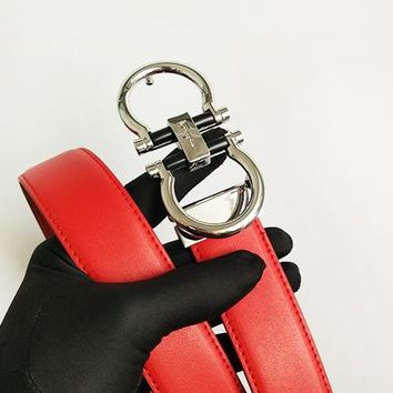 Ferragamo sells men's and women's casual belts with wide variety of fashion belts Red belt+Silvery buckle