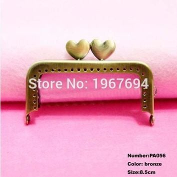 Free Shipping PA056 10pcs Purse Frame Hanger Heart 8.5cm Bronze Metal Clasps Purses Accessories Handles Handbags Diy Bag Parts