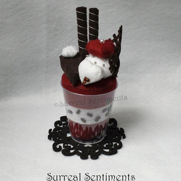 Felt Desserts, Red Velvet Cake Parfait, mini Gift Card & Box Incl. Handcrafted Gift, Sister Gift, Grandmother Gift, Dessert Art, Cake Decor