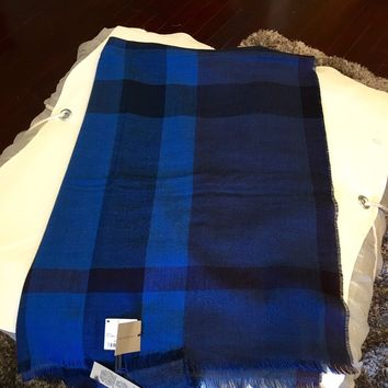 Authentic Burberry Wool & Cashmere scarf 220x70cm. Retail Price $475 Bright Navy