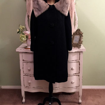 50s Winter Swing Coat, Silver Mink Collar Coat, Large, Vintage Black Coat, Elegant Coat w Bracelet Sleeves & Large Wrap Collar, Heavy Coat