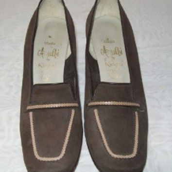 10-0526 Vintage 1960s MOD Brown Leather Preppy Pumps / Shoes / Penny Loafers / Mod Shoes / Size 6 1/2B