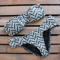 Tribal chevron bikini - black and white