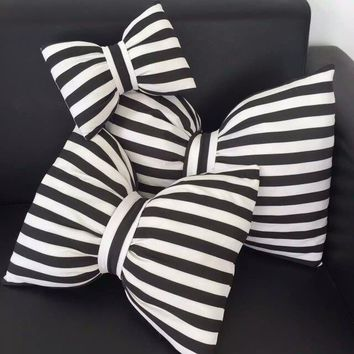 New toys 27cm/47cm/55cm bow pillows black and white striped Neck pillow decorative soft pillow for kids room cute ribbon cushion