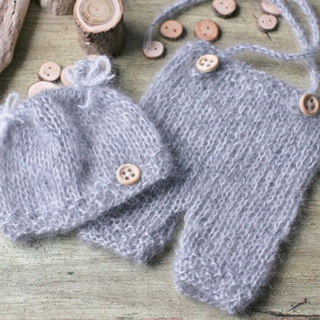 "Knitting PATTERN - Newborn baby Hat and Pants. Quick and easy. Size 0-3 months (head circ. 14"") Knitted with straight needles"