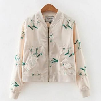 hot sale beige embroidery zipper short show thin long sleeve coat