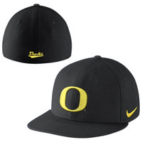 Nike Oregon Ducks True Colors Authentic Performance Fitted Hat - Black
