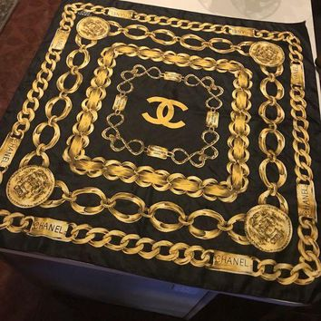 DCK4S2 ORIGINAL VINTAGE CHANEL PARIS 31 RUE CAMBON BLACK WITH GOLD CHAINS SILK SCARF