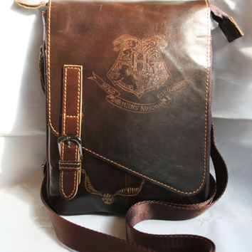 Harry Potter inspired Small Leather Bag /Purse, Hand engraved with the Hogwarts School of Witchcraft and Wizardry Crest and a golden snitch