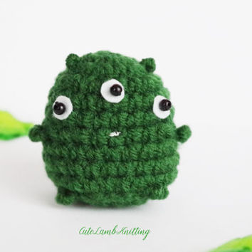 Crochet Green Monster amigurumi toy, cute Crochet three eyed monster, crochet plush monsters, crochet plush toy, crochet creatures, plushie