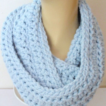 BABY BLUE Infinity Scarf Crochet - Ice Blue Chunky Scarf - Chunky Wool Scarf Gift for Mom, Sister, Sister in Law, Daughter, Grandma, Aunt