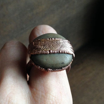 Round Stone Ring - Unique Ring - Raw Stone Ring - Copper Cocktail Ring - Statement Ring - Large Ring - Gift for Her -  SIZE 8.5