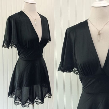 Annika slip // 1970s black slinky nylon & lace empire waist angel sleeve ULTRA mini dress // plunging bust goth babydoll // size XS