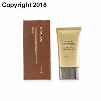 Illusion Hyaluronic Skin Tint SPF 15 - # Warm Ivory 30ml/1oz