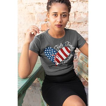 Women's American Flag Heart T-Shirt Faith Family Freedom Patriotic 4th July Shirt America Grunge Shirts Memorial Day Shirt