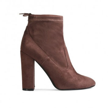 JENNA TIE ANKLE BOOTS IN TAUPE FAUX SUEDE