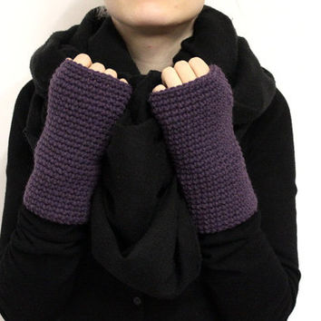 Aubergine Fingerless Mitts, Wool Handwarmers, Purple Wrist Warmers, Knit Arm warmers, Eggplant Fingerless Gloves, Knit Hand Warmers