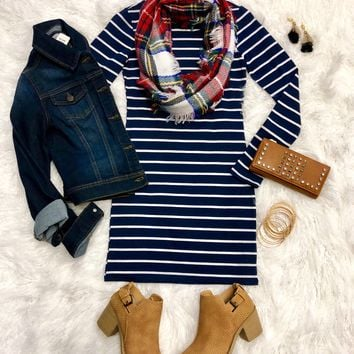 She's Looking at You Tunic Dress: Navy