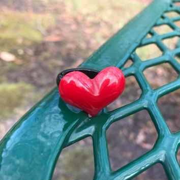 Red & Black Vintage Valentine Heart Lucite Plastic Ring, Size 8