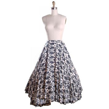 Vintage Circle Skirt Black & White Dragon Print 1950'S 26 Waist Daisy's of Miami