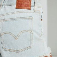 Levi's Frayed Wedgie Short – Indigo | Urban Outfitters