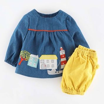Infant Girl's Mini Boden Applique Top & Bloomers