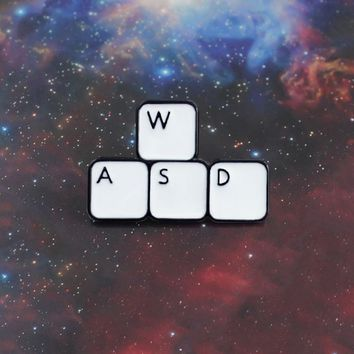 Keyboard Button Brooches Letter WASD Enamel Pin for Boys Girls Lapel Pin Hat/bag Pins Denim Jacket Shirt Women Brooch Badge Q560