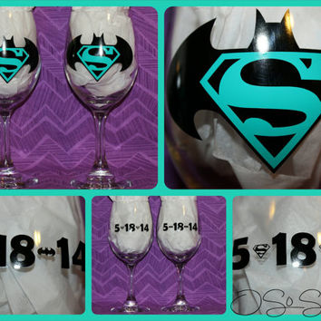 Batman/Superman Custom 20 oz Wine Glass - Sip in style!  Can be personalized with wedding date or name in any color!