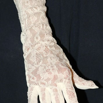 Ladies Elbow Length Lace Gloves White Sz S Vintage No Stains or Holes | Bridal , Prom , Fancy Party Gloves | Pair Formal Gloves Unlined