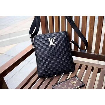 LV Louis Vuitton MEN'S NEW STYLE LEATHER CROSS BODY BAG