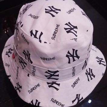 Supreme X Yankees X 47 brand bucket hat
