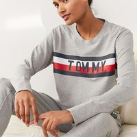 Tommy Hilfiger X UO Global Stripe Crew-Neck Sweatshirt | Urban Outfitters