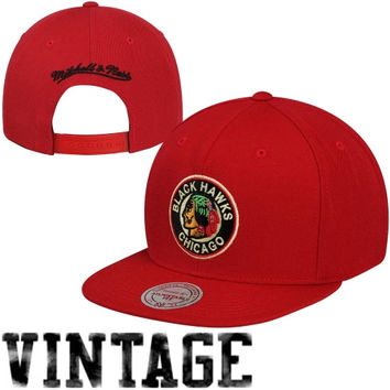 Mitchell & Ness Chicago Blackhawks Vintage Wool Solid Snapback Hat - Red