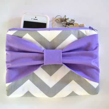 Set of 8 Grey & White Chevron w/ Purple Center Bow Bridesmaid Clutch Bridal Accessories Wedding Gift Bridal Clutch Zippered