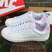 NIKE Tennis Classic Sports small holes running shoes white pink logo H-ALXY JL