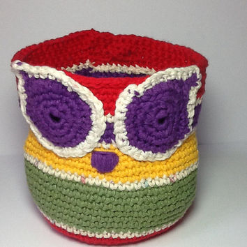 Colorful crochet owl basket in cotton, whimsical organizer, bathroom storage, kids or nursery decor, red, purple, green, yellow