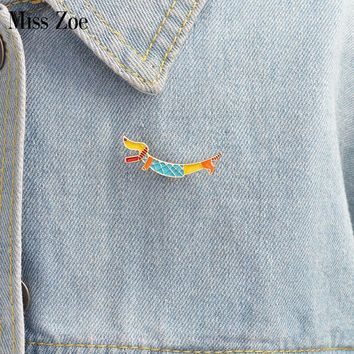 Trendy Cute puppy Dachshund brooch Enamel pin coat Button Pins Denim Jacket Pin Badge Fashion Dog Animal Jewelry Gift for Kids AT_94_13